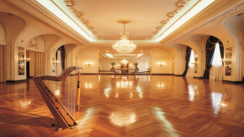 RITZ- SALON ROYAL 1