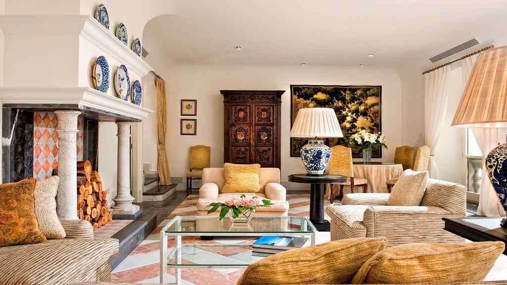 VILLA PADIERNA PALACE-VILLA LIVING ROOM
